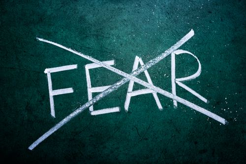 Fighting Fear Fighting Fear with the Word Lois Evans