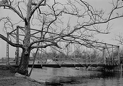 Fink-Type Truss Bridge httpsuploadwikimediaorgwikipediacommonsthu