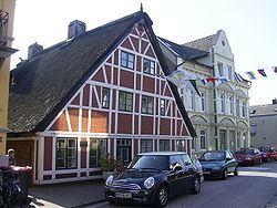Finkenwerder httpsuploadwikimediaorgwikipediacommonsthu