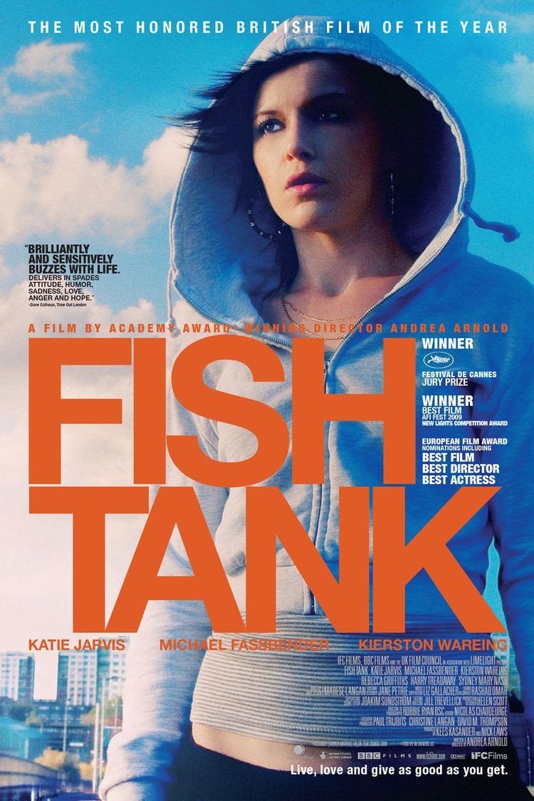 Fish Tank (film) wwwgstaticcomtvthumbmovieposters7857047p785