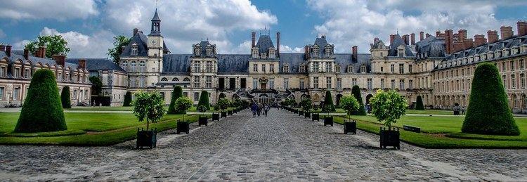 Fontainebleau wwwthousandwondersnetcoversbbPalaceofFontai