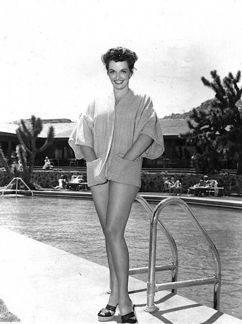 Foxfire (1955 film) Jane Russell on the set of Foxfire 1955 Jane Russell Pinterest