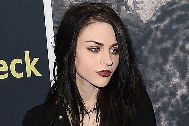 Frances Bean Cobain Frances Bean Cobain Weds Without Courtney Love39s Knowledge