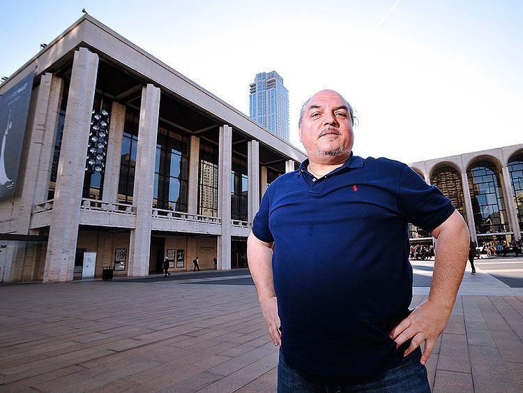 Francesco Anile Metropolitan Opera Understudy Makes Debut in Jeans and Tshirt