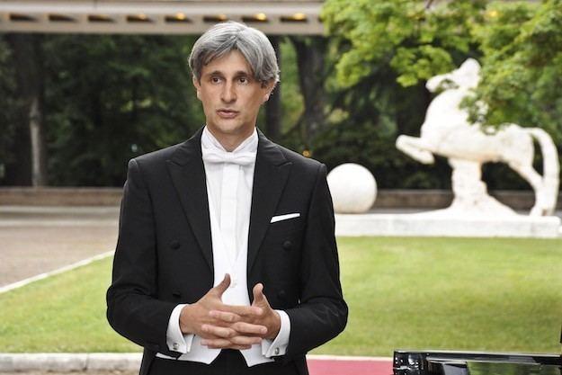 Francesco Attesti Francesco Attesti in concerto all39Aeronautica con note di