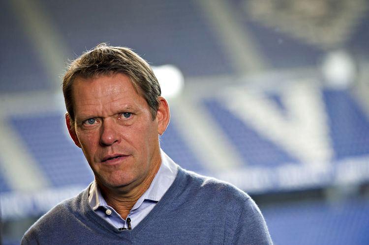 Frank Arnesen Trods fyring HSV forgylder Arnesen Sport wwwbtdk