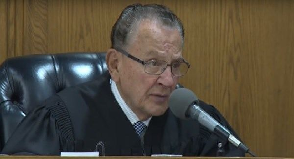 Frank Caprio (judge) Judge Frank Caprio is our new hero and heres why BreakingNewsie