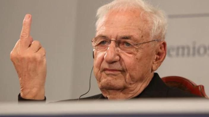 a biography of frank o gehry an american architect born in 1929 Frank owen gehryfrank o gehry, an american architect was born in 1929, toronto, ontario he moved to los angeles in 1947 gehry studied architecture at the university of southern california.
