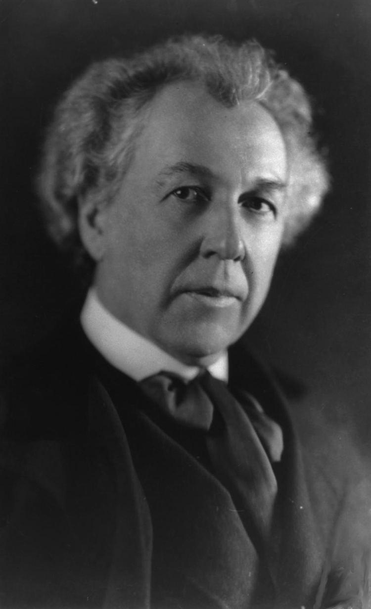 Frank Lloyd Wright Frank Lloyd Wright Wikipedia the free encyclopedia