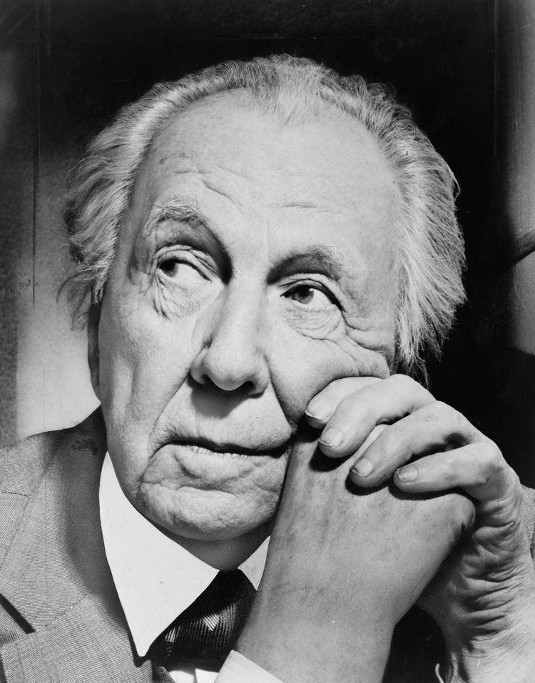 Frank Lloyd Wright httpsuploadwikimediaorgwikipediacommons33