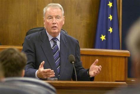 Frank Murkowski Alaska governor freezes hiring US news Life NBC News