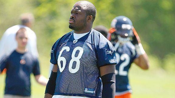 Frank Omiyale BREAKING NEWS Frank Omiyale is Bad at Football Bear