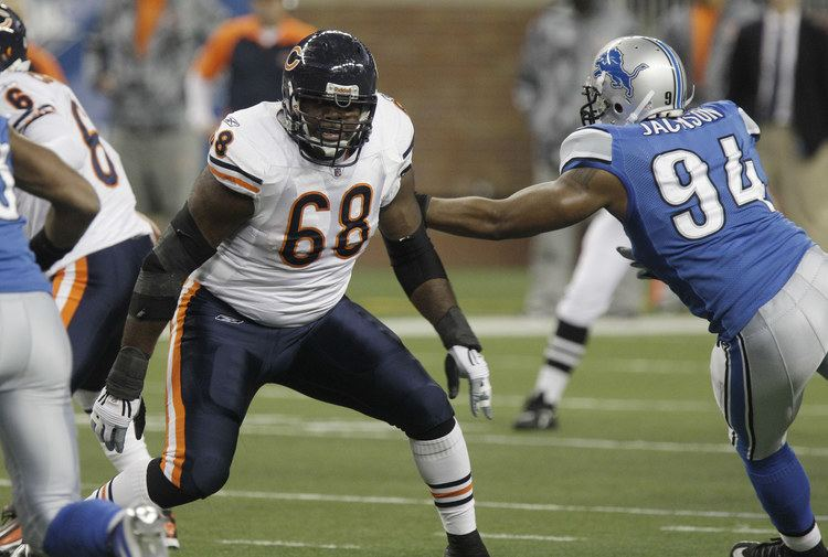 Frank Omiyale Hawks to sign Omiyale Giants DE Tollefson to visit