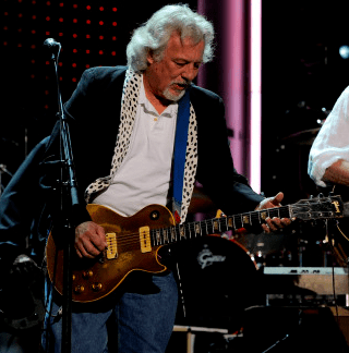 Frank Sampedro iconic guitarcom Frank quotPonchoquot Sampedro Les Paul Goldtop