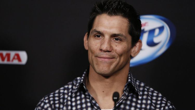 Frank Shamrock Frank Shamrock vs Tito Ortiz was one of the UFC39s first