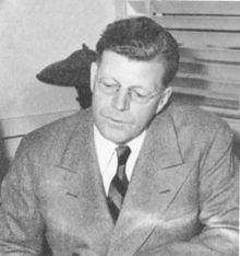 Fred Quimby httpsuploadwikimediaorgwikipediaenthumb5