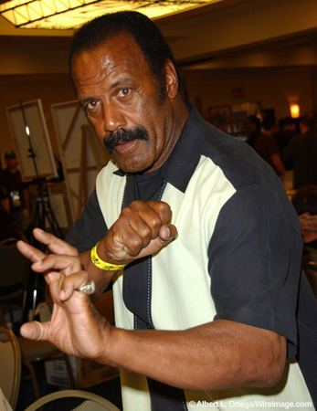 Fred Williamson Kicking Ass with Fred The Hammer Williamson