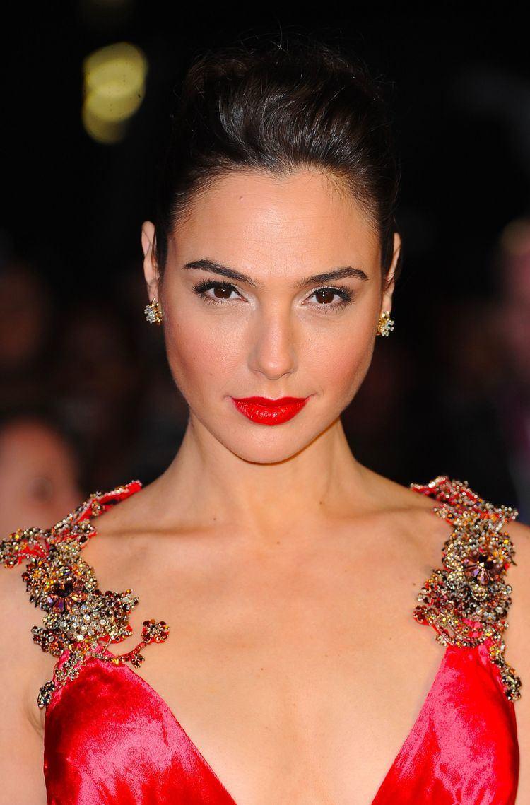 Gal Gadot WATCH Gal Gadot Rocks in Wonder Woman Trailer Gal gadot Wonder