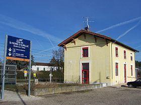 Gare de Saint-Pierre-d'Aurillac httpsuploadwikimediaorgwikipediacommonsthu