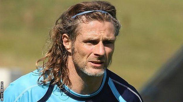Gareth Ainsworth BBC Sport Wycombe Wanderers Gareth Ainsworth made