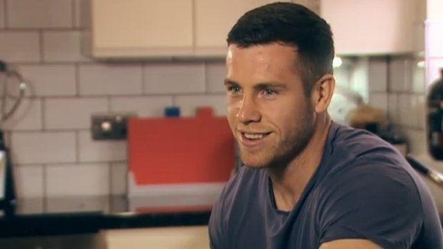 Gareth Davies (rugby player, born 1990) Gareth Davies Welsh rugby player Rugby Pinterest Welsh rugby
