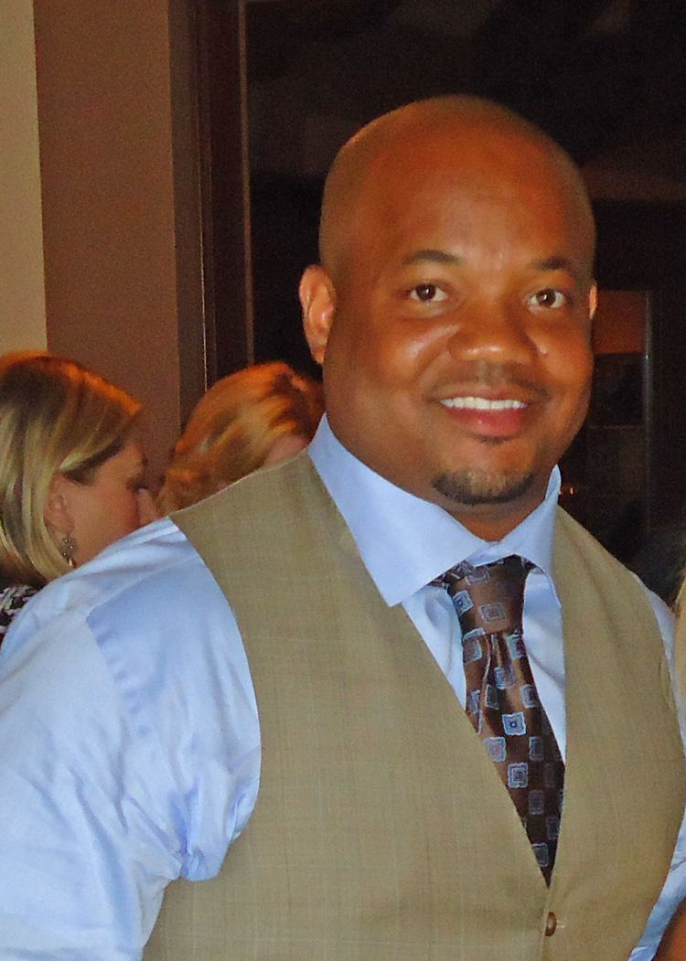 Gary Brackett FileGary Brackettjpg Wikimedia Commons