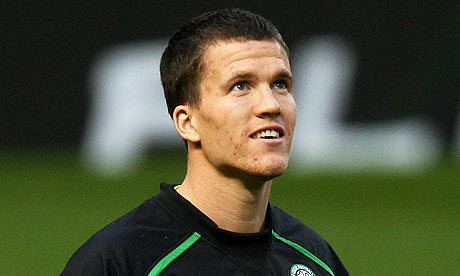 Gary Caldwell Gary Caldwell handed contract ultimatum by Celtic manager