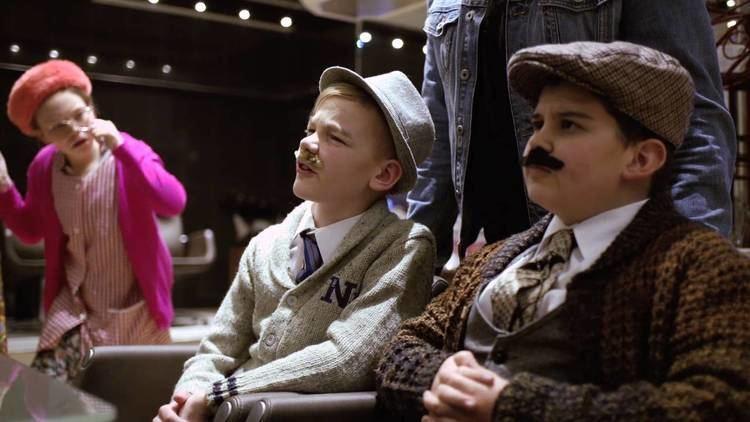 Gary Lamont Scottish Actor Gary Lamont interviewed by Glasgows funniest kids