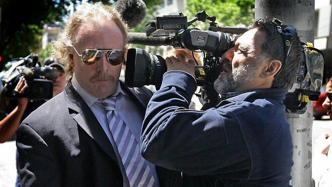 Gary Neiwand Olympic cyclist Gary Neiwand avoids jail for flashing two