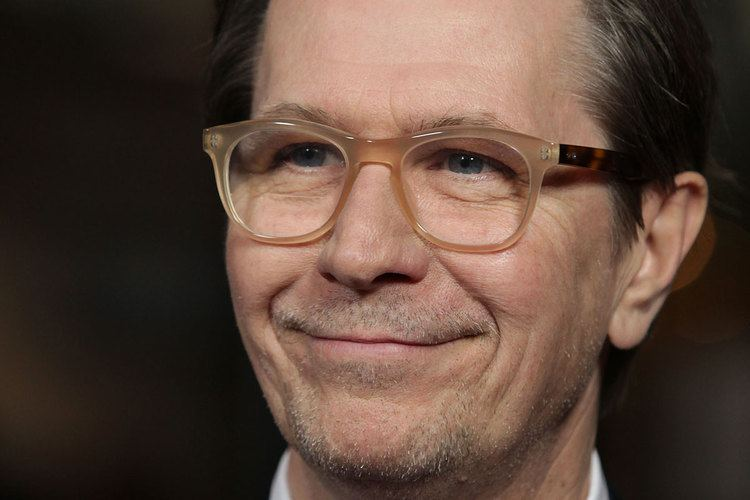 Gary Oldman Gary Oldman Gives Publicist Nightmare Of An Interview To