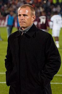 Gary Smith (footballer, born 1968) httpsuploadwikimediaorgwikipediacommonsthu