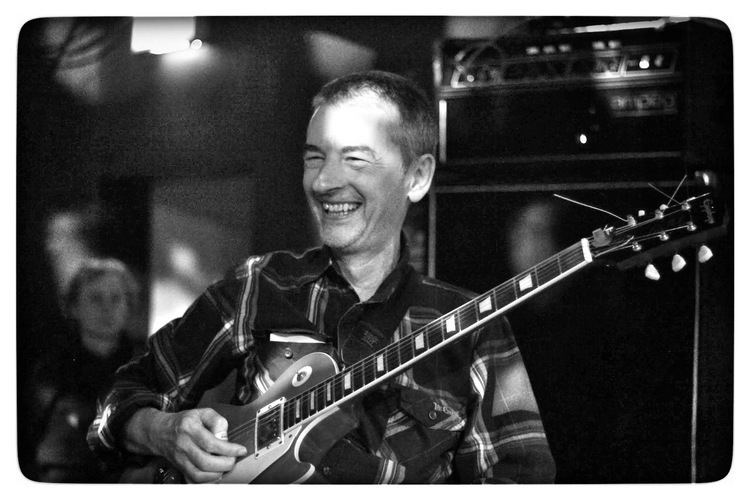 Gary Smith (guitarist) PREPARED GUITAR Gary Smith 13 questions