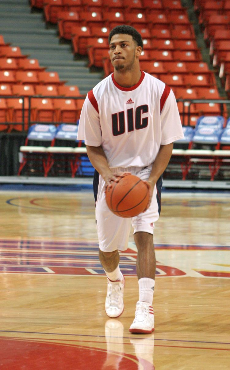 Gary Talton Whoosh Net News Gary Talton helps UIC keeps its cool against Detroit