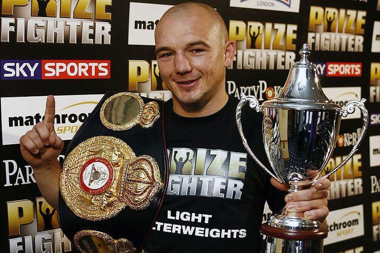 Gavin Rees Adrien Broner to fight Gavin Rees Feb 16