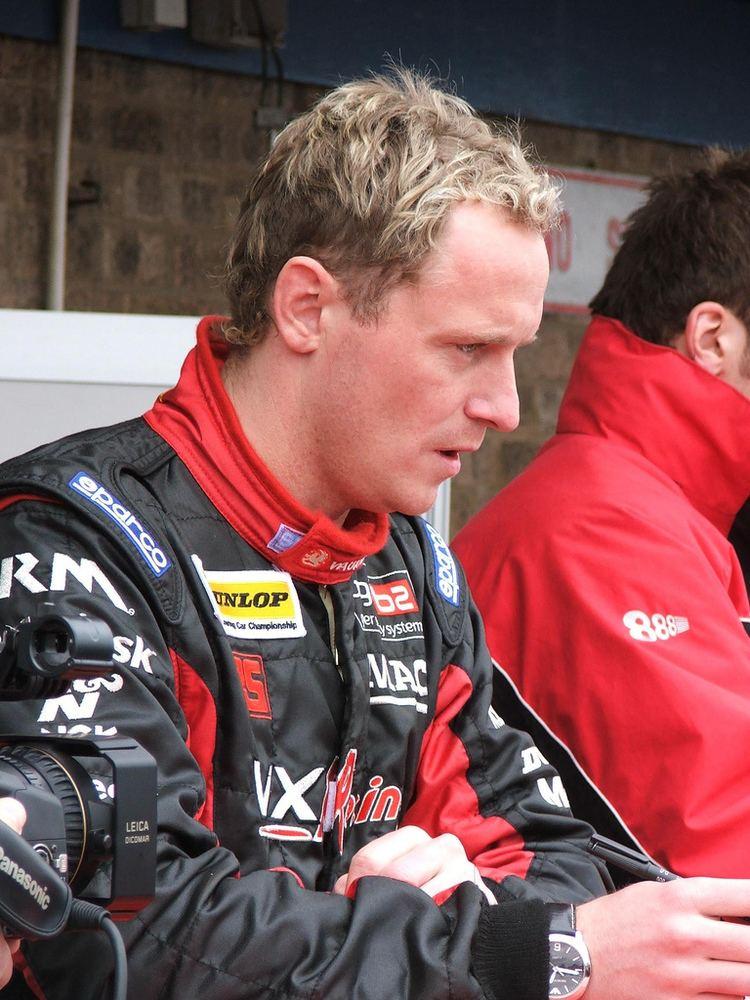 Gavin Smith (racing driver)