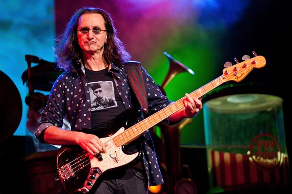 Geddy Lee Rush Singer Geddy Lee Answers Your Twitter Questions