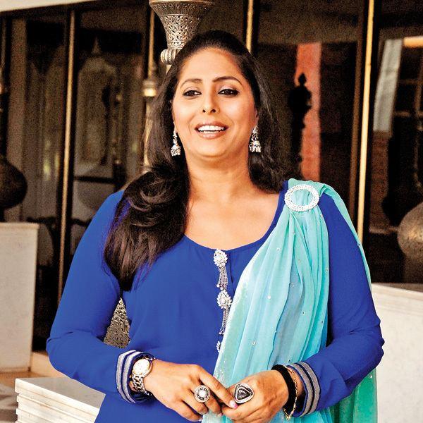 Geeta Kapoor Bollywood choreographer Geeta Kapoor rams car into man