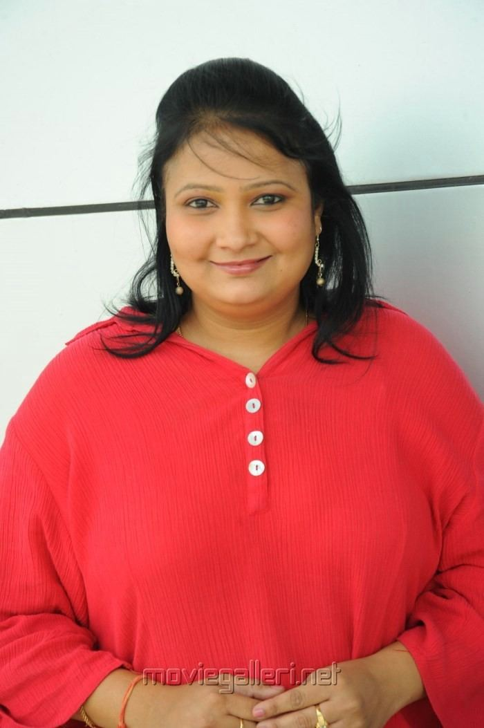 Geetha Singh Picture 430022 Telugu Actress Geetha Singh in Red Dress