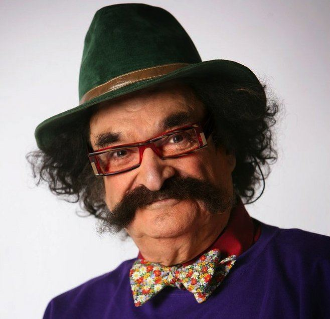 Gene Shalit Retired film critic Gene Shalit gets 39thumbs down39 from