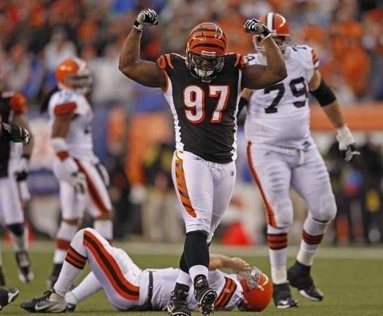 Geno Atkins Geno Atkins Dubbed Sophomore Superstar Heard It From Hoard