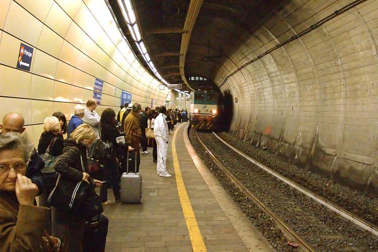 Genoa urban railway service