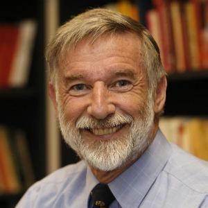 Geoffrey Parker (historian) yalebookscoukimagesAuthorsPParker300jpg