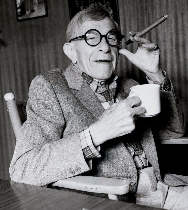 George Burns George Burns Simple English Wikipedia the free encyclopedia