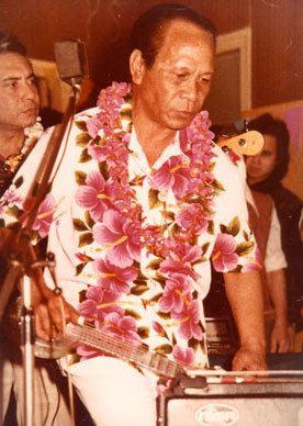 George de Fretes George de Fretes De ongekroonde koning van de Hawaiian steelgitaar