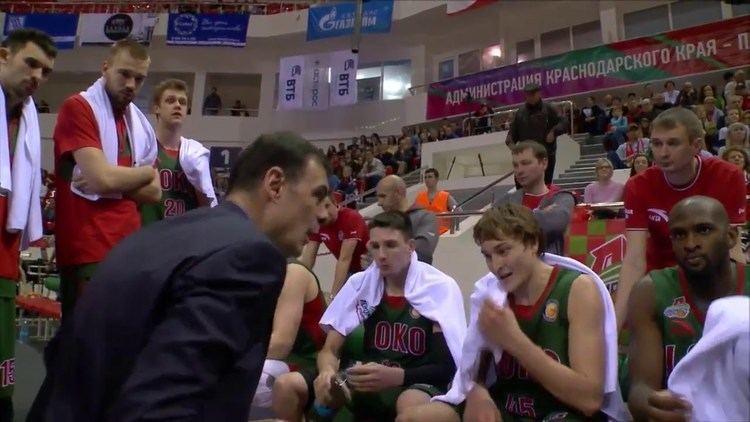 Georgios Bartzokas Georgios Bartzokas motivates Loko players in 4th quarter YouTube
