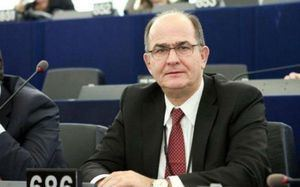 Georgios Papastamkos cdn1bbendnetmediacomnewsstory20130412297
