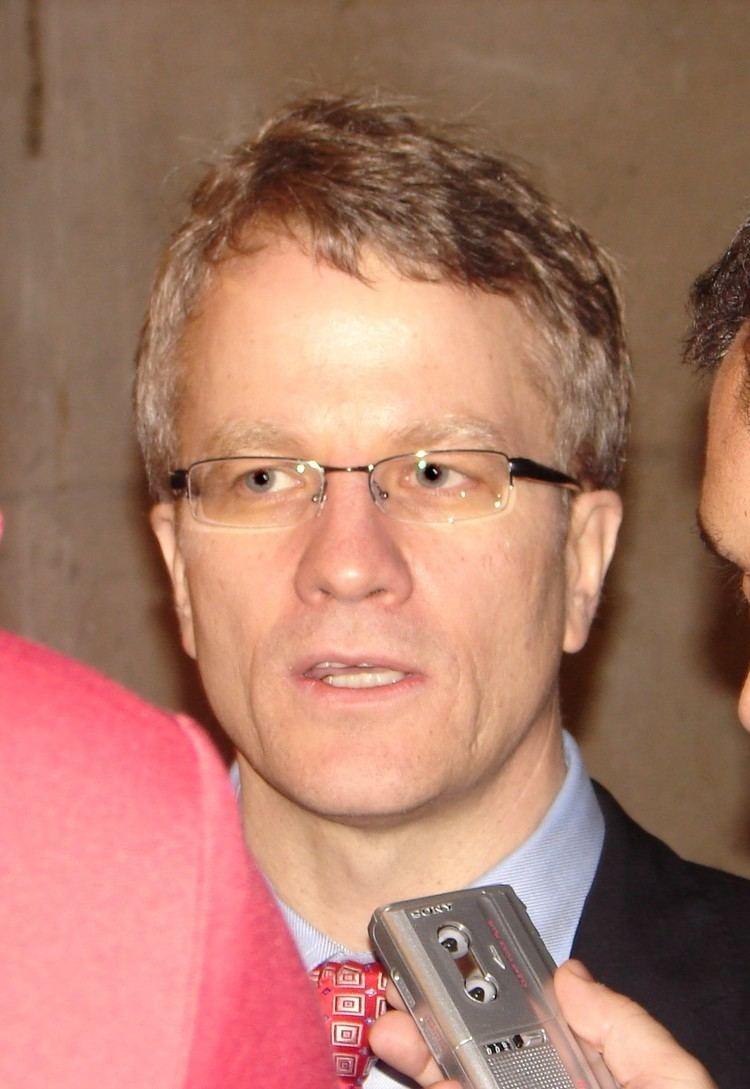 Gerard Kennedy httpsuploadwikimediaorgwikipediacommonsbb