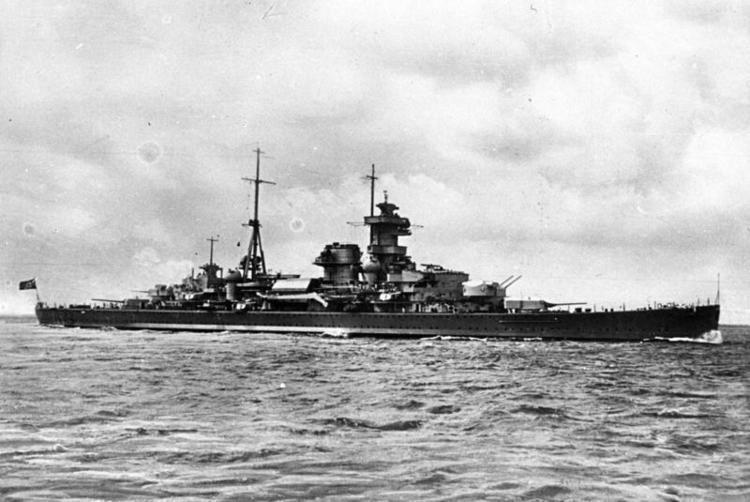 German cruiser Admiral Hipper httpsuploadwikimediaorgwikipediacommonscc