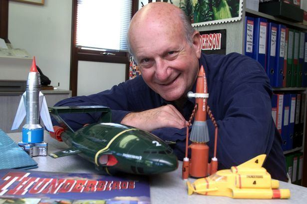 Gerry Anderson Thunderbirds Gerry Anderson funeral held in Reading