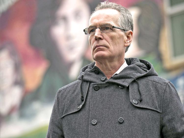Gerry Kelly Gerry Kelly speaks I looked at him and said Dont move or Ill